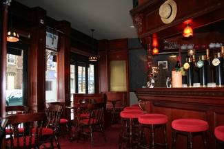 mobilier pub. Black Bedroom Furniture Sets. Home Design Ideas
